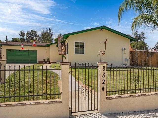 8824 Los Coches Road, Lakeside, CA 92040 (#190021392) :: Whissel Realty