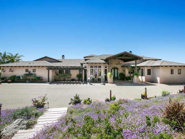 18245 Paradise Mountain Road, Valley Center, CA 92082 (#190023189) :: Pugh | Tomasi & Associates
