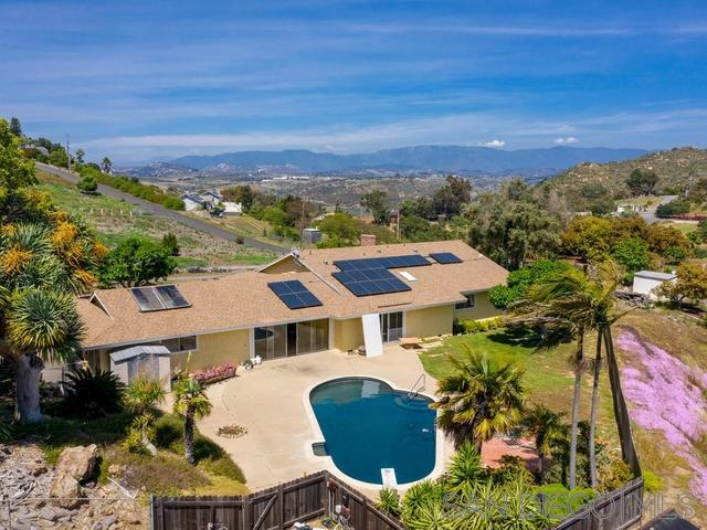6825 Kellyn Ln, Vista, CA 92084 (#190027098) :: The Marelly Group | Compass
