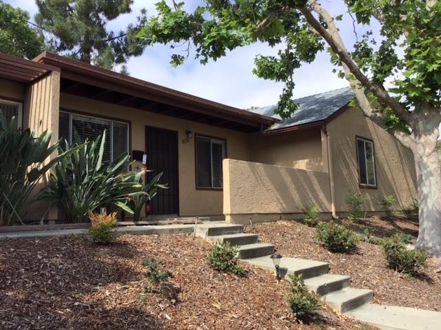 8696 Wahl St, Santee, CA 92071 (#190031934) :: Keller Williams - Triolo Realty Group