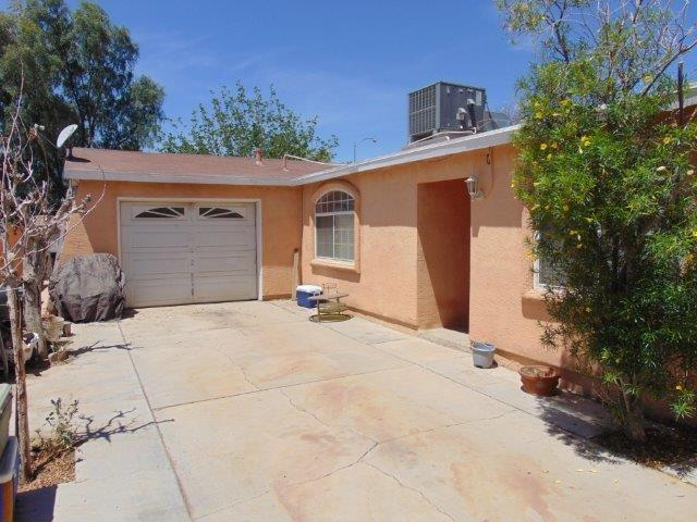 1390 N Waterman Avenue, El Centro, CA 92243 (#190032206) :: Coldwell Banker Residential Brokerage