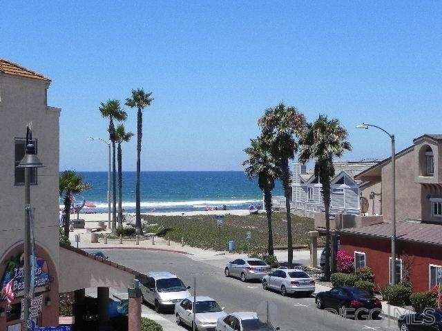 727 Seacoast, Imperial Beach, CA 91932 (#190032277) :: Coldwell Banker Residential Brokerage