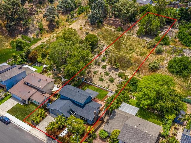 3827 Sierra Morena Ave, Carlsbad, CA 92010 (#190032945) :: Neuman & Neuman Real Estate Inc.