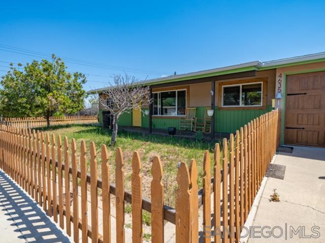 4635 Derrick Dr, San Diego, CA 92117 (#190034923) :: Coldwell Banker Residential Brokerage