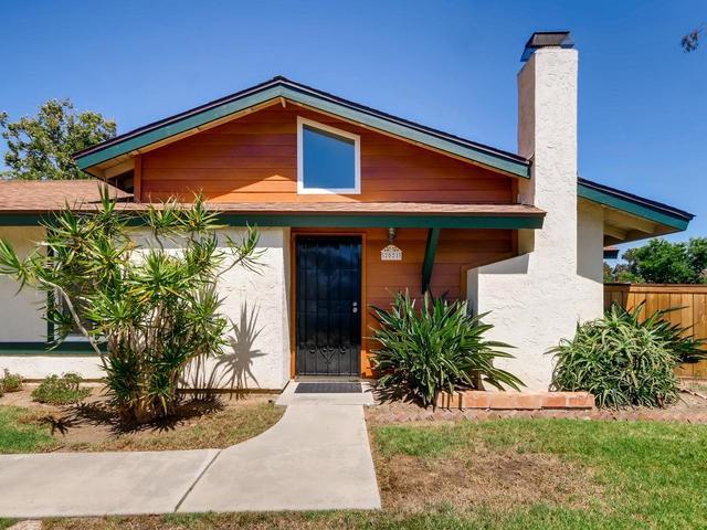2021 Shadytree Ln, Encinitas, CA 92024 (#190038926) :: COMPASS