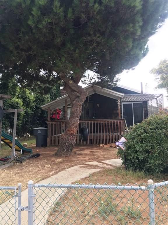 577-579 10Th St, Imperial Beach, CA 91932 (#190046064) :: Neuman & Neuman Real Estate Inc.