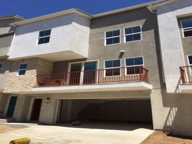 354 Fitzpatrick Rd #105, San Marcos, CA 92069 (#190046431) :: Whissel Realty