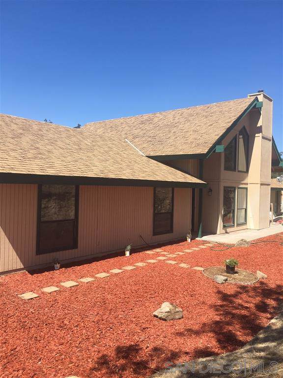 30322 Titan Dr, Coarsegold, CA 93614 (#190050936) :: Whissel Realty