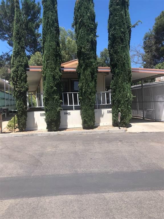 28890 Lilac Rd Spc 17, Valley Center, CA 92082 (#190051600) :: Neuman & Neuman Real Estate Inc.