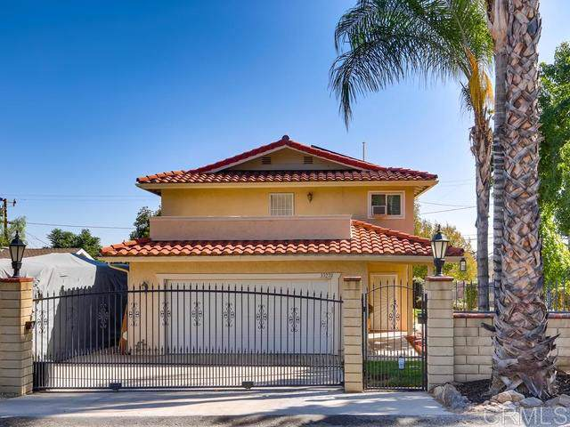 33270 Gillette St, Lake Elsinore, CA 92530 (#190055558) :: Whissel Realty