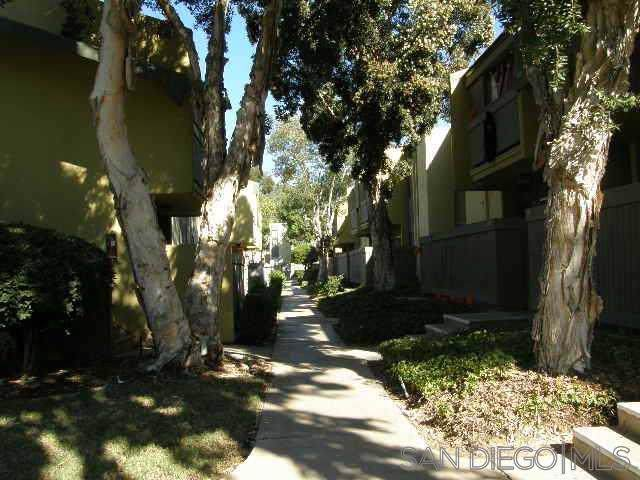 3456 Castle Glen Dr #261, San Diego, CA 92123 (#190058125) :: The Stein Group
