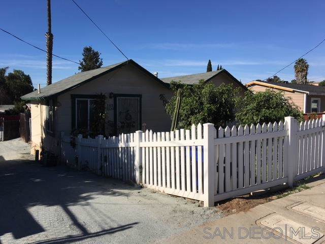 3320 Cypress, National City, CA 91950 (#190058902) :: Whissel Realty