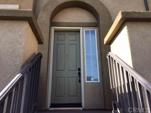 10111 Star Magnolia Ln, Santee, CA 92071 (#190061067) :: Pugh | Tomasi & Associates