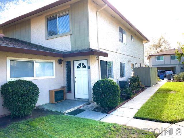 9855 Mission Greens Ct #3, Santee, CA 92071 (#190063431) :: Whissel Realty