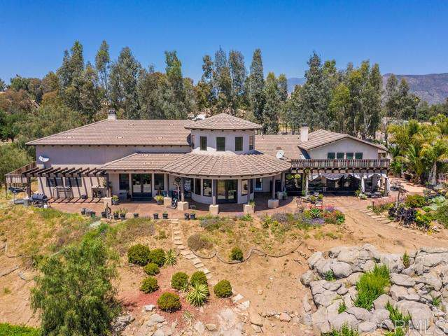 18245 Paradise Mountain Road, Valley Center, CA 92082 (#190064941) :: Allison James Estates and Homes