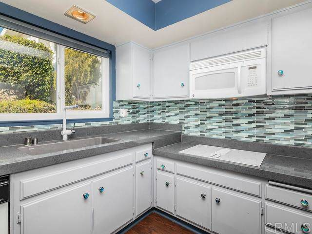 3747 Vista Campana S #99, Oceanside, CA 92057 (#200002473) :: Neuman & Neuman Real Estate Inc.
