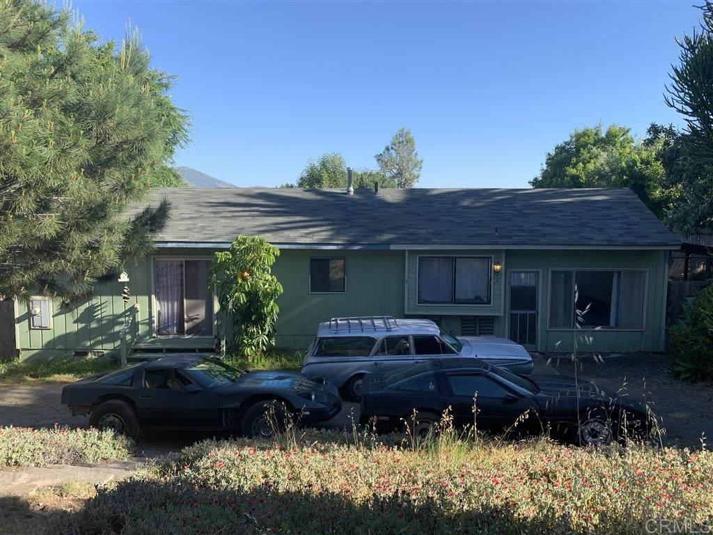 10705 Anaheim Dr - Photo 1
