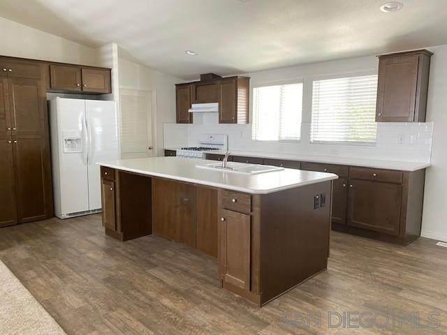 220 N El Camino Real #35, Oceanside, CA 92058 (#200025382) :: Keller Williams - Triolo Realty Group