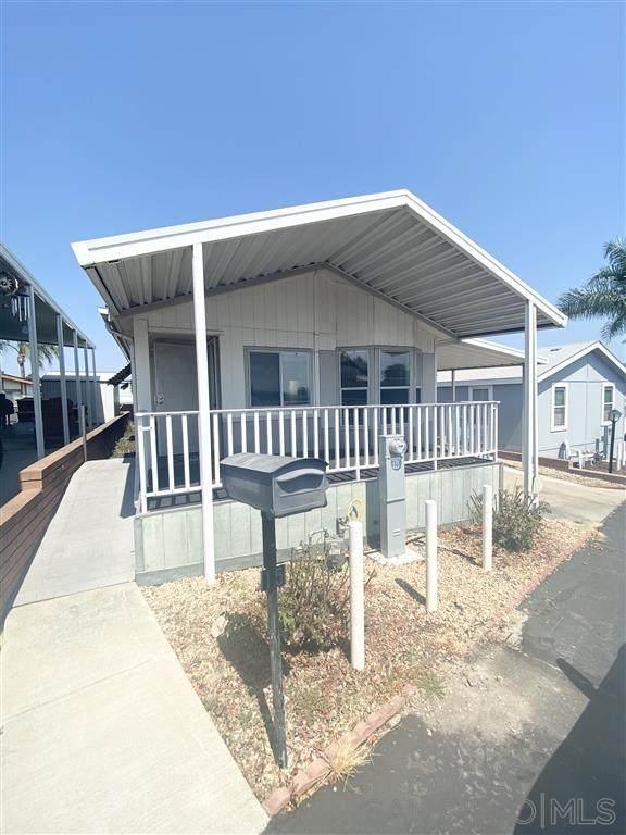 245 W Bobier Drive #15, Vista, CA 92083 (#200043541) :: Neuman & Neuman Real Estate Inc.