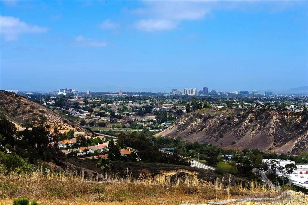 5720 Desert View Drive - Photo 1