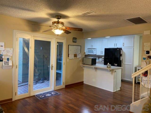 13754 Sycamore Tree Ln, Poway, CA 92064 (#200049826) :: Yarbrough Group