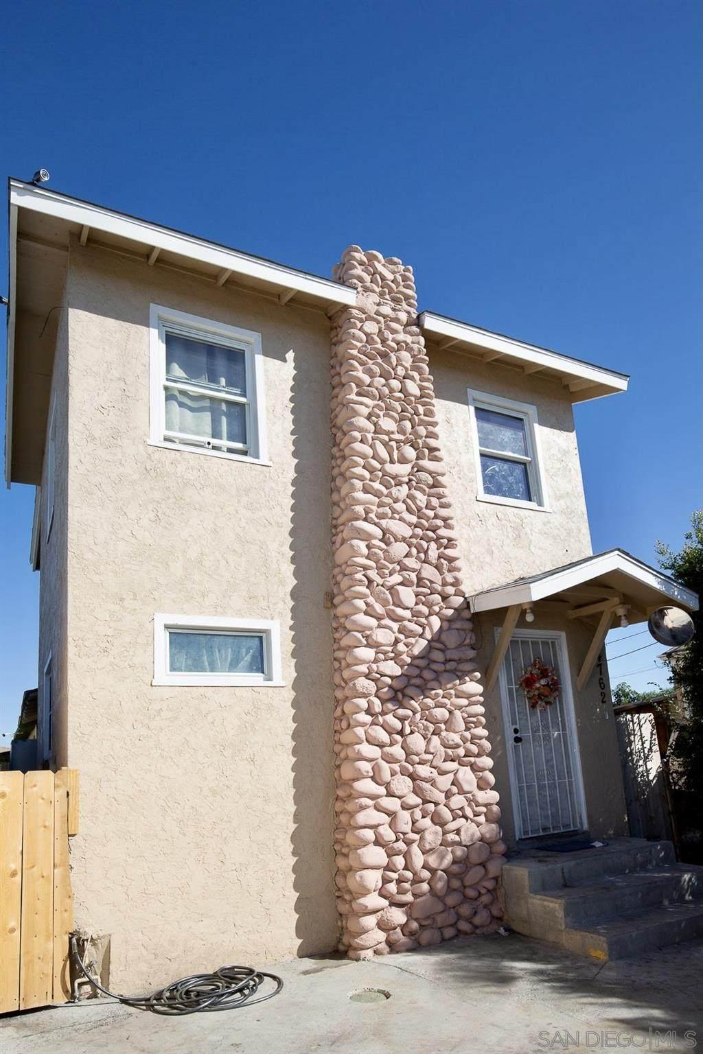 4762 Castle Ave - Photo 1