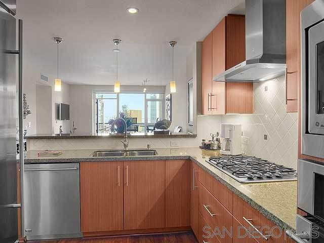 325 7Th Ave - Photo 1