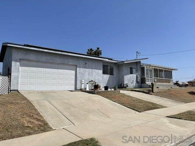 3890 Redwood St, San Diego, CA 92105 (#210009488) :: Solis Team Real Estate