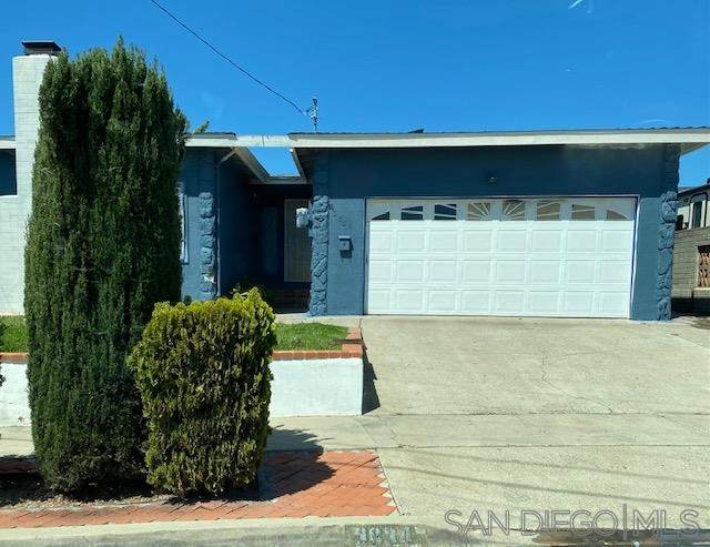 3834 Ben St, San Diego, CA 92111 (#210009681) :: Wannebo Real Estate Group