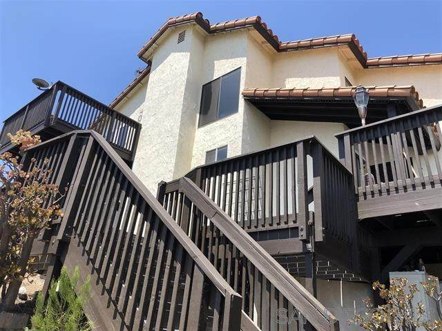 7210 Barker Way, San Diego, CA 92119 (#210011107) :: The Legacy Real Estate Team