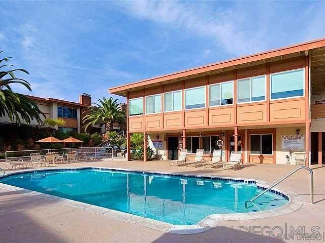 6852 Hyde Park Dr. A, San Diego, CA 92119 (#210011351) :: Wannebo Real Estate Group