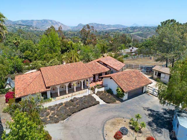 6821 La Valle Plateada, Rancho Santa Fe, CA 92067 (#210012365) :: The Legacy Real Estate Team