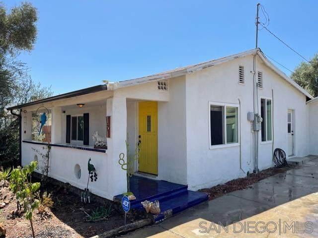 151 E 2nd Street, Perris, CA 92570 (#210014400) :: Keller Williams - Triolo Realty Group