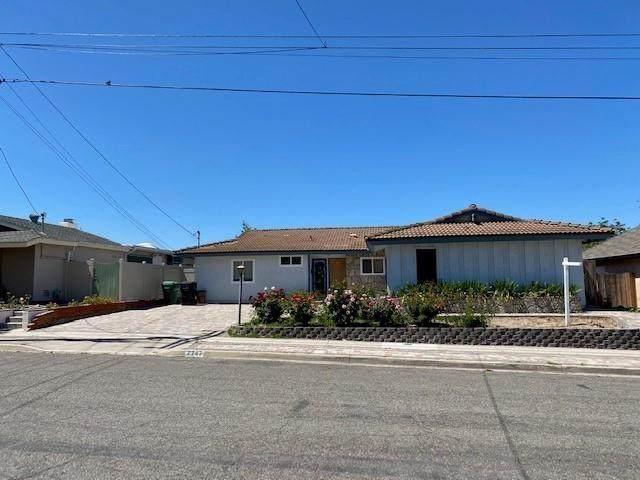 7747 Topaz Lake Ave, San Diego, CA 92119 (#210015968) :: Carrie Filla & Associates