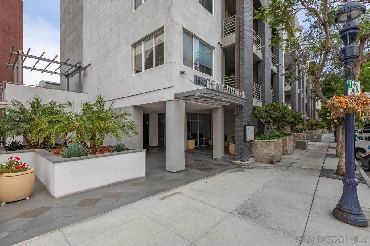 1642 7Th Ave - Photo 1