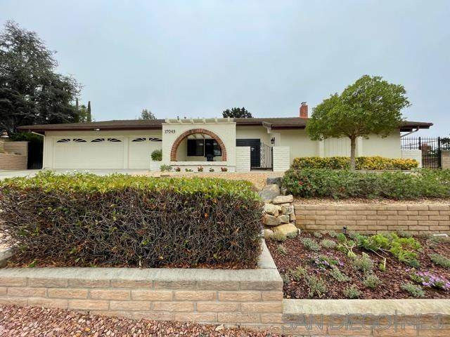 17049 Cloudcroft Dr, Poway, CA 92064 (#210020946) :: Neuman & Neuman Real Estate Inc.