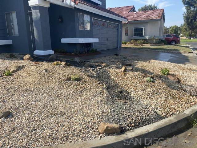 237 Cardinal Way, Oceanside, CA 92057 (#210021161) :: Dannecker & Associates