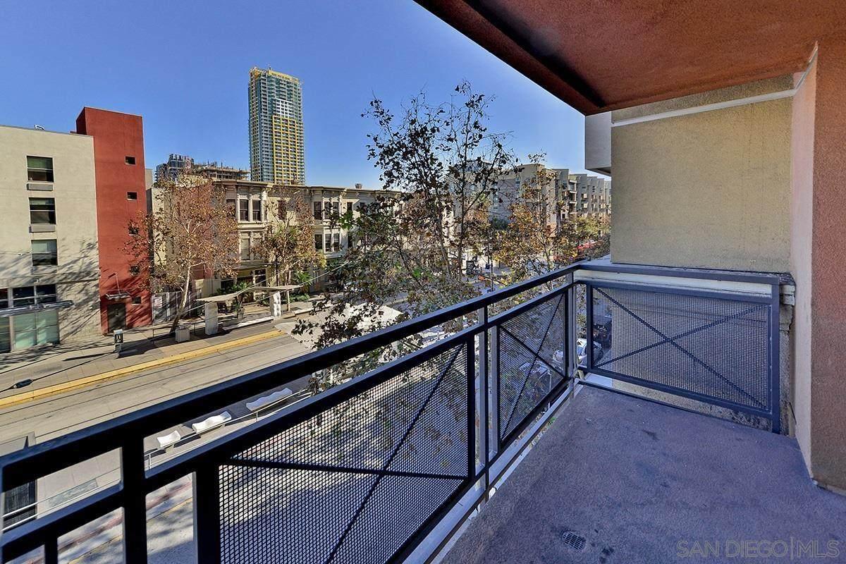 550 Park Blvd - Photo 1