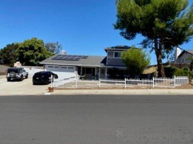 2034 Fantero Ave, Escondido, CA 92029 (#210026035) :: Solis Team Real Estate