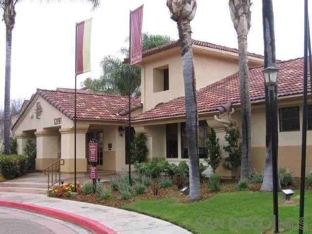 12190 Cuyamaca College Dr E #1412, El Cajon, CA 92019 (#210027098) :: The Todd Team Realtors