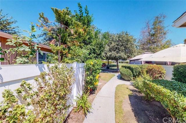25742 Via Lomas #106, Laguna Hills, CA 92653 (#300634864) :: Heller The Home Seller