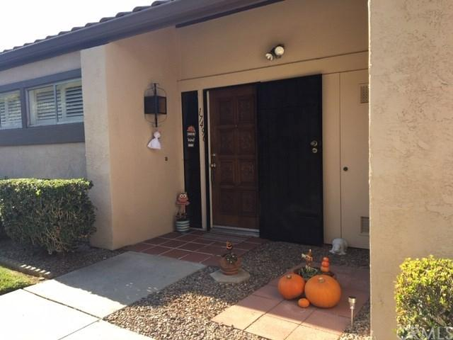 17496 Plaza Dolores, San Diego, CA 92128 (#300651778) :: Whissel Realty