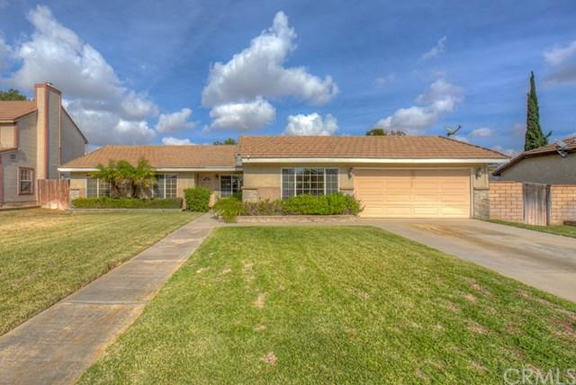 1250 W Etiwanda Avenue, Rialto, CA 92376 (#300675589) :: Heller The Home Seller