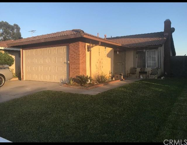 523 W Virginia Street, Rialto, CA 92376 (#300677266) :: COMPASS