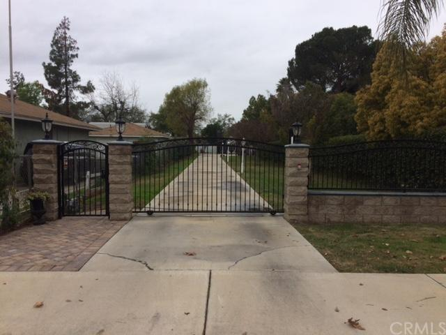 5955 Greenfield Avenue, Riverside, CA 92506 (#300733507) :: Coldwell Banker Residential Brokerage