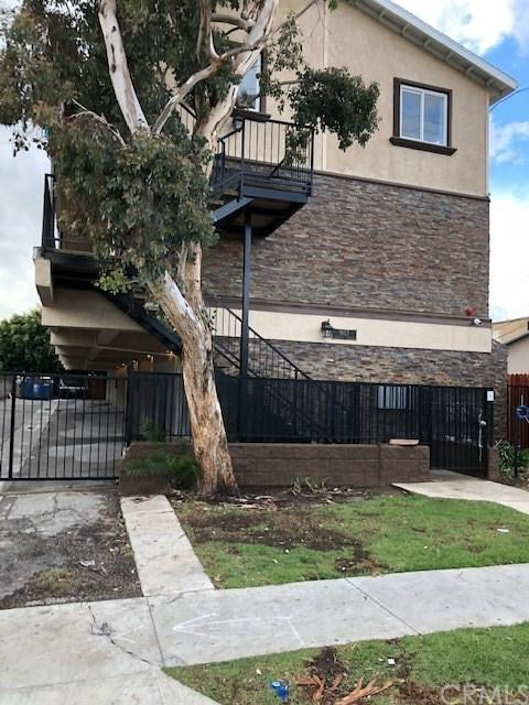 907 N INGLEWOOD Avenue #6, Inglewood, CA 90302 (#300735375) :: The Yarbrough Group
