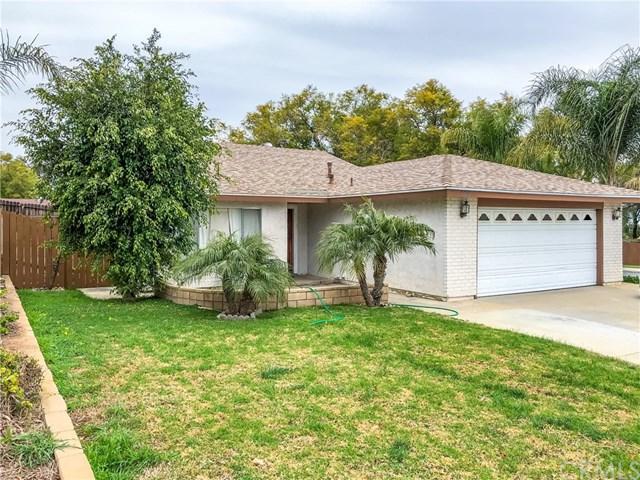 2358 Mesquite Lane, Corona, CA 92882 (#300869331) :: COMPASS