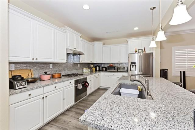 16586 Picardy Place, Fontana, CA 92336 (#300973365) :: Coldwell Banker Residential Brokerage