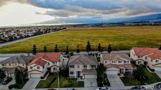 6946 Royal Crest Way, Fontana, CA 92336 (#300973404) :: Coldwell Banker Residential Brokerage