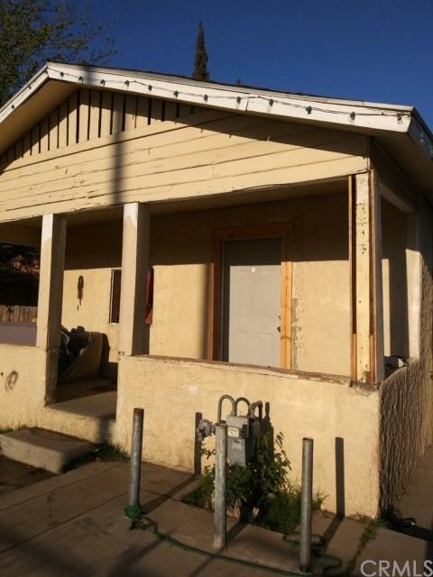 217 Daniels Street, Bakersfield, CA 93307 (#300979855) :: Coldwell Banker Residential Brokerage